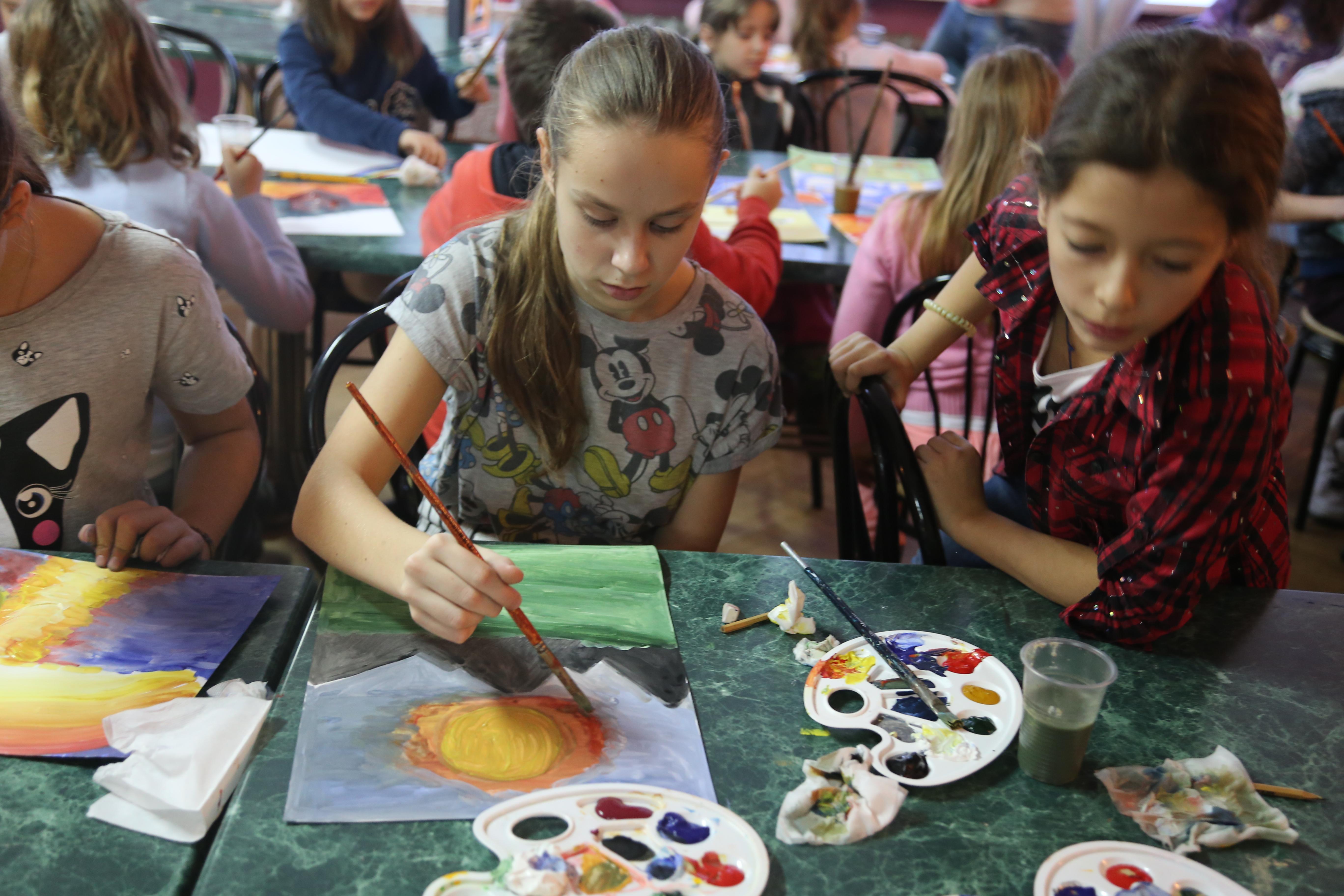 творческие занятия детей в осенней смене